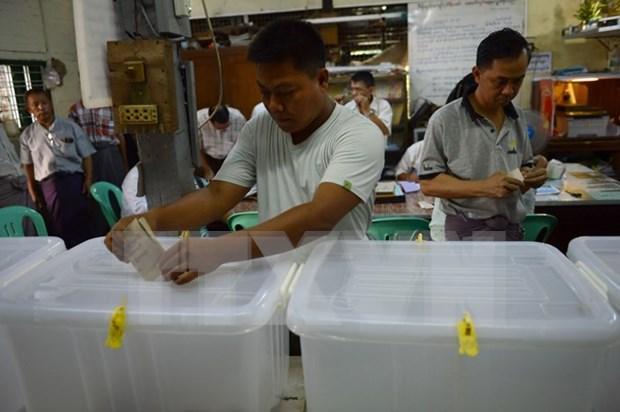 缅甸历史性大选投票今天展开 hinh anh 1