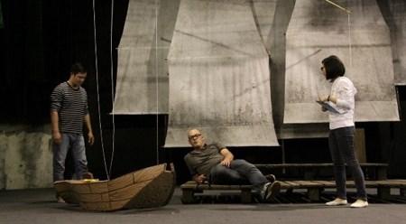 越德合作排演的话剧《渔夫和金鱼的故事》即将亮相 hinh anh 1