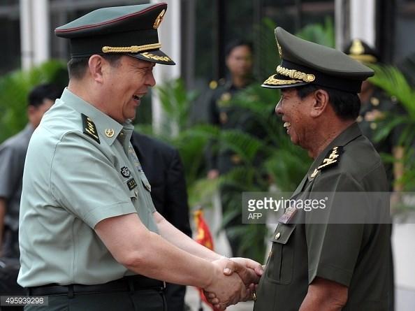 柬埔寨与中国加强防务合作 hinh anh 1