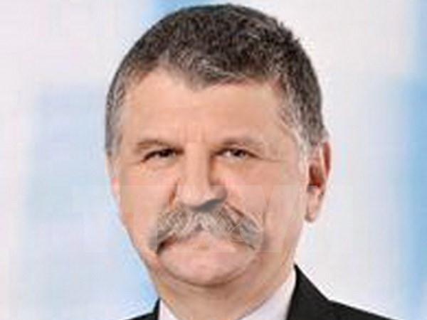 匈牙利国会主席克韦尔•拉斯洛开始对越进行正式访问 hinh anh 1