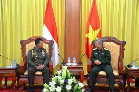 越南副防长阮志咏上将会见印尼驻越武官 hinh anh 1
