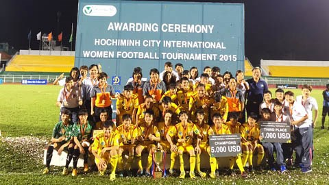 胡志明市国际女子足球公开赛:东道主夺魁 hinh anh 1