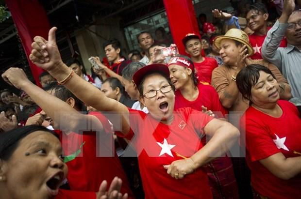 缅甸大选第一天计票结果:106人当选议员 hinh anh 1