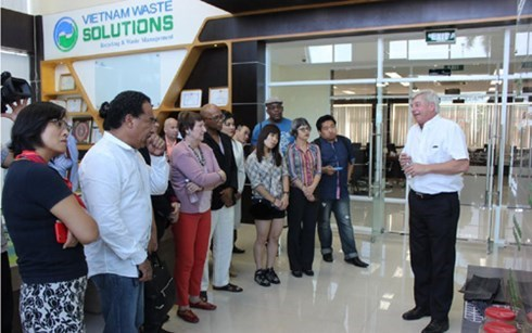 越南胡志明市与美国萨克拉门托市加强人力资源培训领域的合作 hinh anh 1