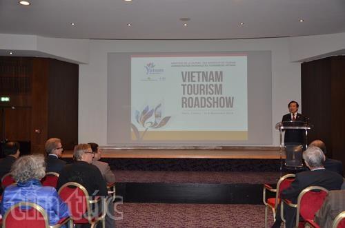 越南在法国举行旅游推广与促进活动 hinh anh 1