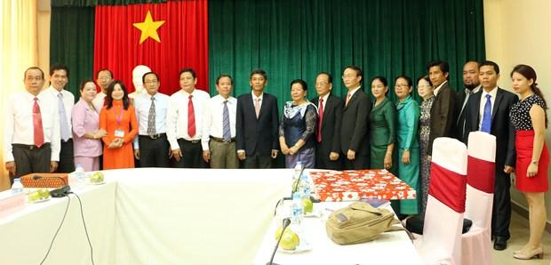 越南与柬埔寨加强传统友谊与特殊团结关系 hinh anh 1