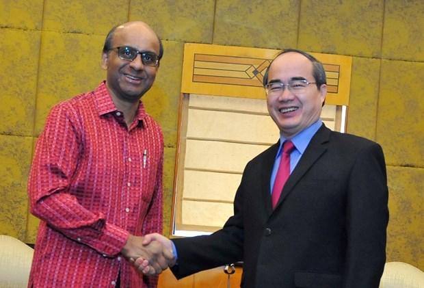 越南祖国阵线委员会主席阮善仁会见新加坡副总理尚达曼 hinh anh 1