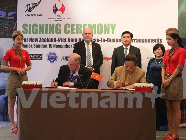 越捷航空公司和新西兰航空协会签署合作备忘录 hinh anh 1