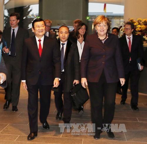 越南国家主席张晋创同德国总理安格拉·默克尔举行会谈 hinh anh 1