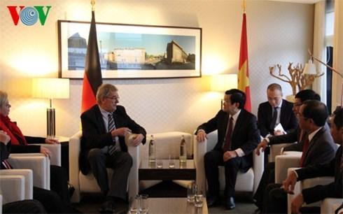 越南国家主席张晋创会见德国柏林市长克劳斯·沃维莱特 hinh anh 1
