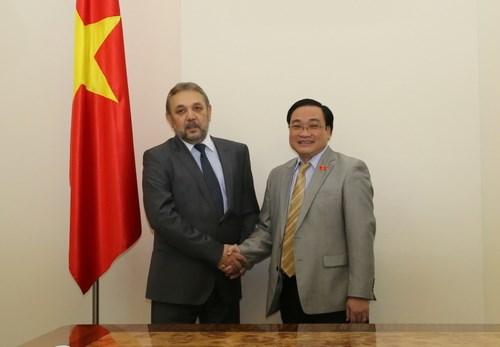 越南政府副总理黄忠海会见保加利亚客人 hinh anh 1
