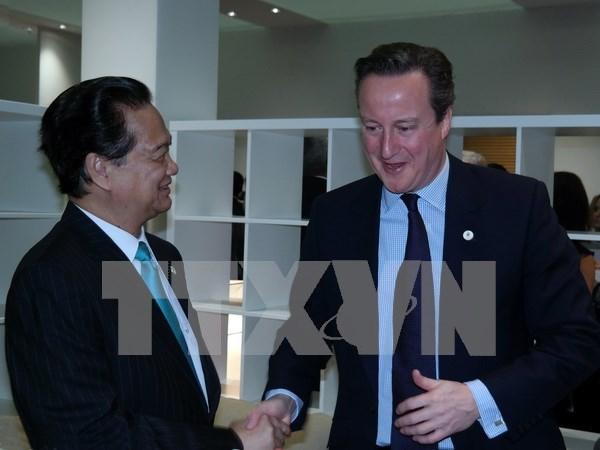 阮晋勇总理密集会见出席COP 21的各国领导 hinh anh 1