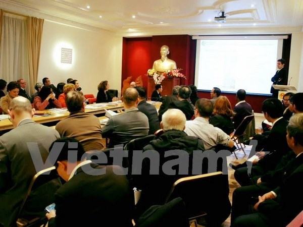 越南九龙江三角洲与法国经济合作促进座谈会在法举行 hinh anh 1
