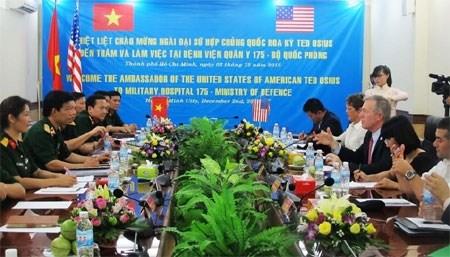 越南与美国加强军医合作 hinh anh 1