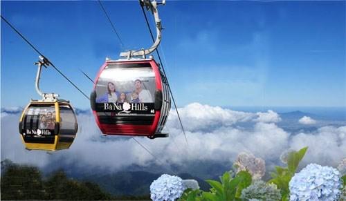 2015年前11个月岘港市接待游客量猛增 hinh anh 1