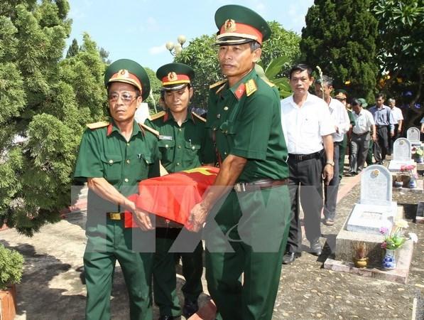 越南继续着重展开烈士遗骸搜寻归宿工作 hinh anh 1