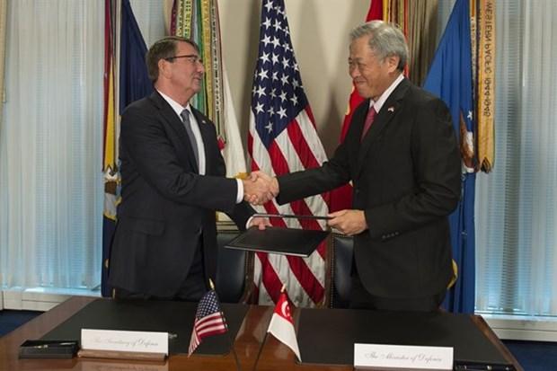 新加坡与美国签订加强防务合作协定 hinh anh 1