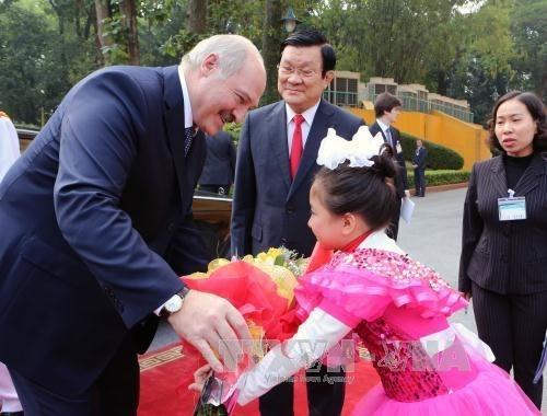 白俄罗斯总统卢卡申科圆满结束对越南进行的国事访问 hinh anh 1