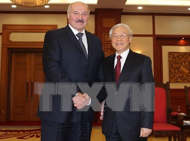 越共中央总书记阮富仲会见白俄罗斯总统卢卡申科 hinh anh 1