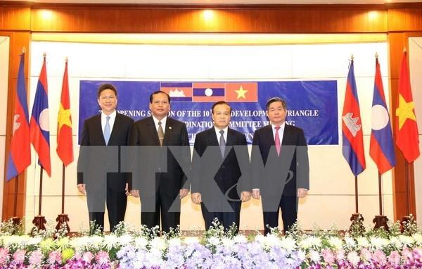 柬老越发展三角区协调委员会第10次会议在老挝召开 hinh anh 1