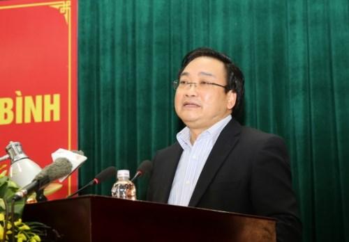 越南政府副总理黄忠海接触太平省选民 hinh anh 1