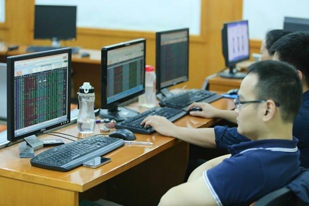 越南共给1.85万外国投资商签发证券交易代码 hinh anh 1