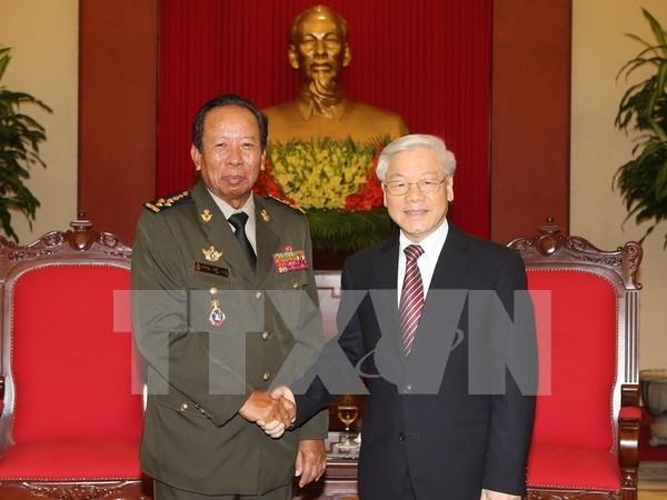 越共中央总书记阮富仲会见柬埔寨政府副首相兼国防大臣迪班 hinh anh 1