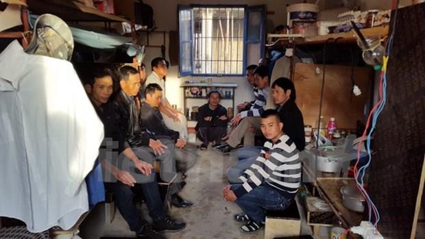 在阿尔及利亚的越南劳工举行罢工希望尽早回国 hinh anh 1