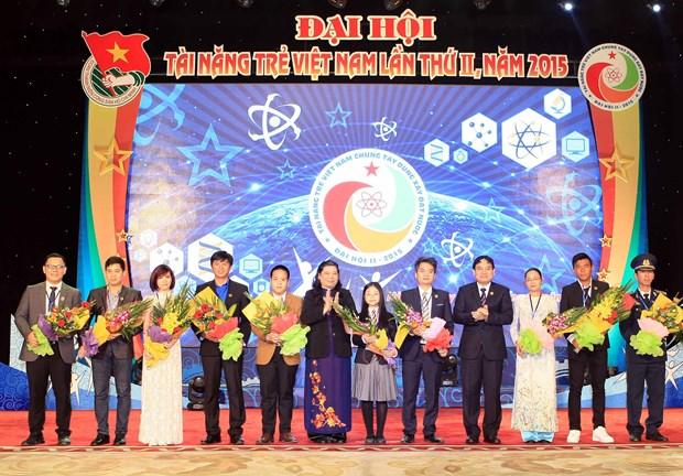 第二次越南青年人才大会在河内召开 hinh anh 1