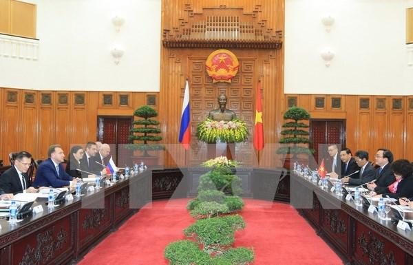 越南政府副总理黄忠海同俄罗斯政府第一副总理舒瓦洛夫举行会谈 hinh anh 1