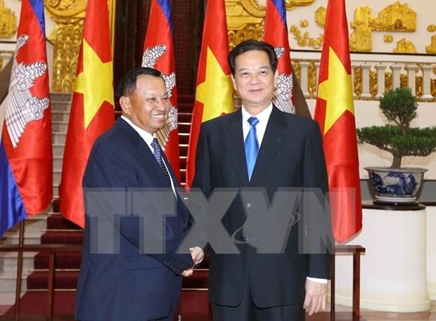 越南政府总理阮晋勇会见柬埔寨王国参议院主席赛宗 hinh anh 1