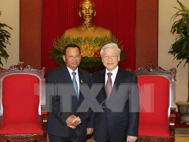 越共中央总书记阮富仲会见柬埔寨王国参议院主席赛宗 hinh anh 1