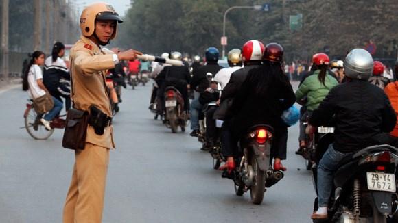 越南政府总理要求做好2016年春节和春季庙会期间交通安全保障工作 hinh anh 1