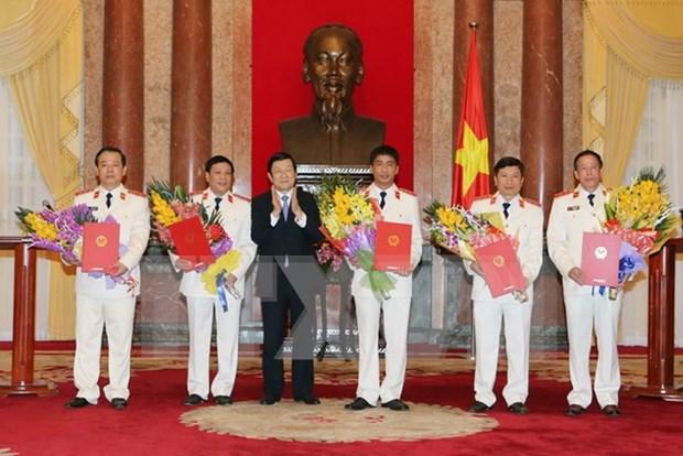 越南国家主席张晋创向新任最高人民检察院检察员颁发任命书 hinh anh 1