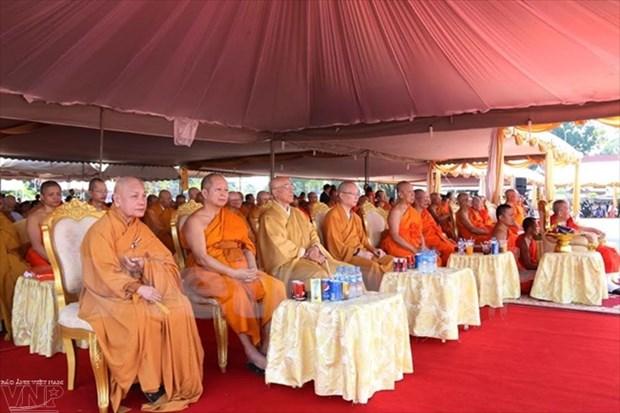 越南佛教协会中央委员会赴老挝参加老挝佛教协会主席荼毗法会 hinh anh 1