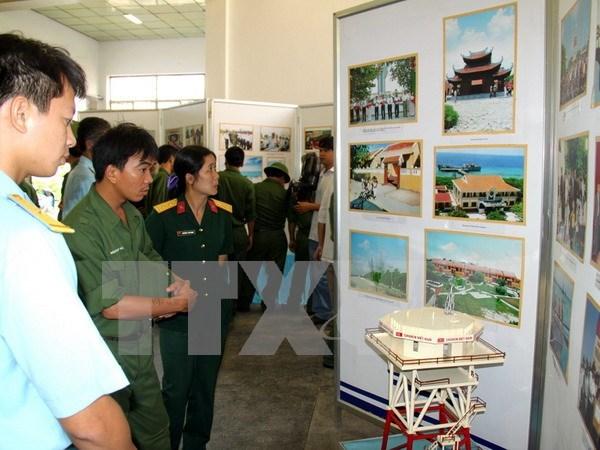 """""""越南海洋岛屿—历史、潜力与发展""""图片展在海防市开展 hinh anh 1"""