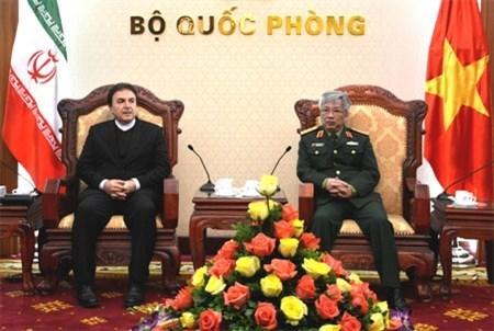 越南与伊朗加强防务合作 hinh anh 1