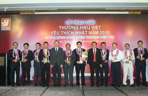 """2015年""""越南最受欢迎企业奖""""对35家企业予以表彰 hinh anh 1"""