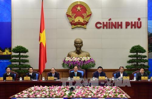 阮晋勇总理主持召开视频会议 部署2016年经济社会任务 hinh anh 1