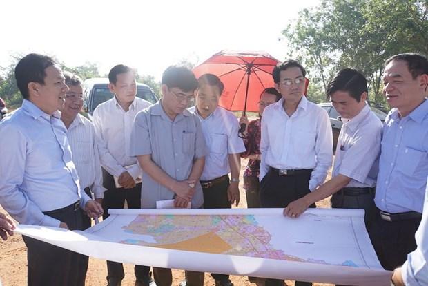 越南国会经济委员会代表视察龙城国际航空港建设项目 hinh anh 1