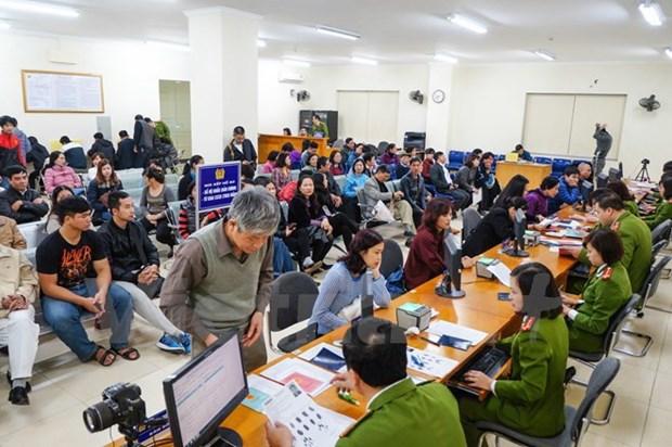 越南河内市正式办理换发新版公民身份证手续 hinh anh 1