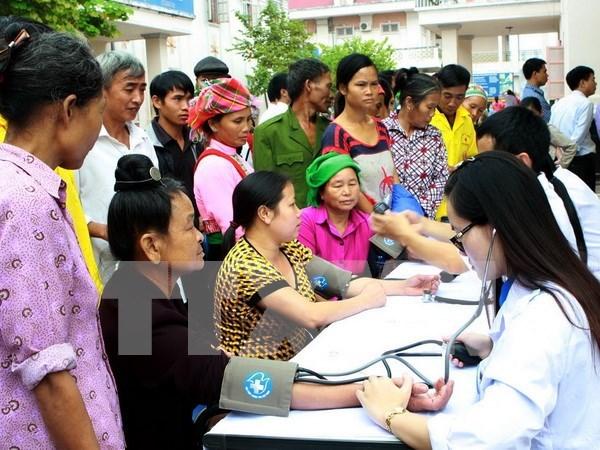 医疗保险有助于提高莱州省各族贫困同胞的保健质量 hinh anh 1