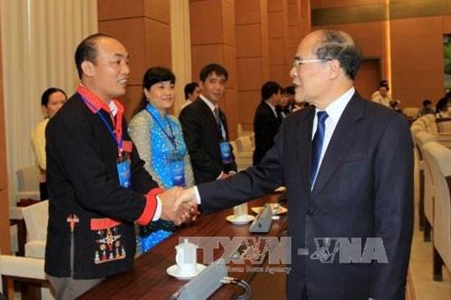 越南国会主席阮生雄会见越南年轻医师协会 hinh anh 1