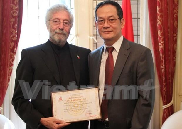 越南表彰帮助越南橙毒剂受害者的阿根廷公民 hinh anh 1
