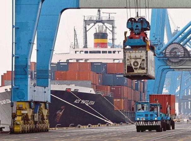 2015年11月份马来西亚进出口总额增长7.6% hinh anh 1