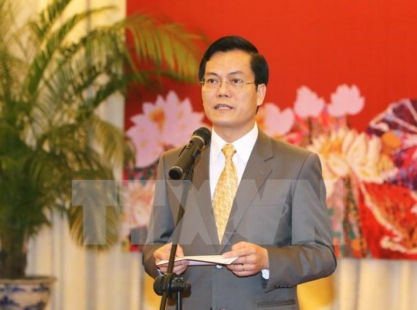 越南外交部举行各国驻越新闻随员和记者新年见面会 hinh anh 1