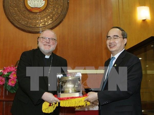 越南祖国阵线中央委员会主席阮善仁会见德国主教团主席马克思枢机 hinh anh 1
