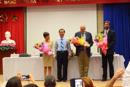 意大利慈善医疗队为100多名越南贫困病人开展慈善手术 hinh anh 1
