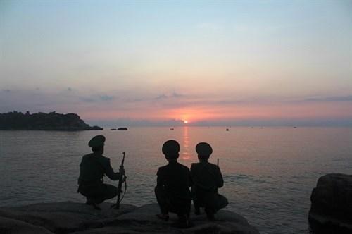 祖国最东端地区的黎明 hinh anh 3