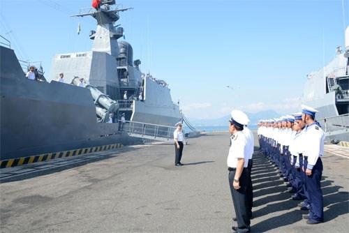 越南海军丁先皇号导弹护卫舰起航参加海上国际阅兵式 hinh anh 1